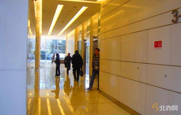 东亿国际产业园公共走廊